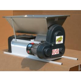 Дробилка виноградная с гребнеотделителем (полунержавейка) - электрическая,  900х500